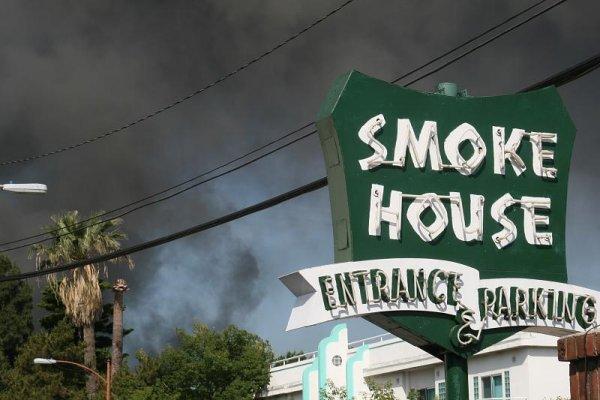 Enseigne The Smoke House
