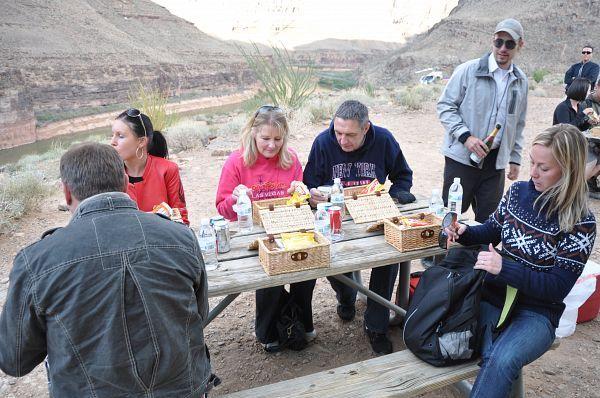 Le pique-nique au fond du Grand Canyon