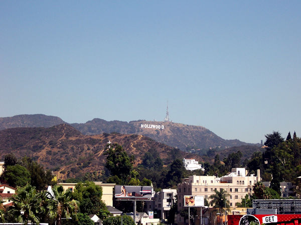 Hollywood Sign depuis Hollywood Boulevard