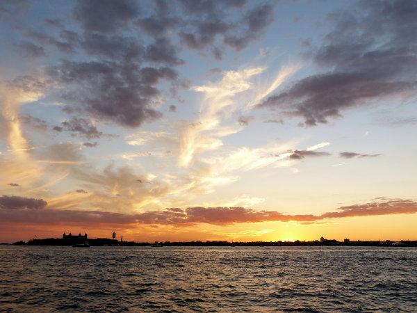 Crépuscule sur Ellis Island