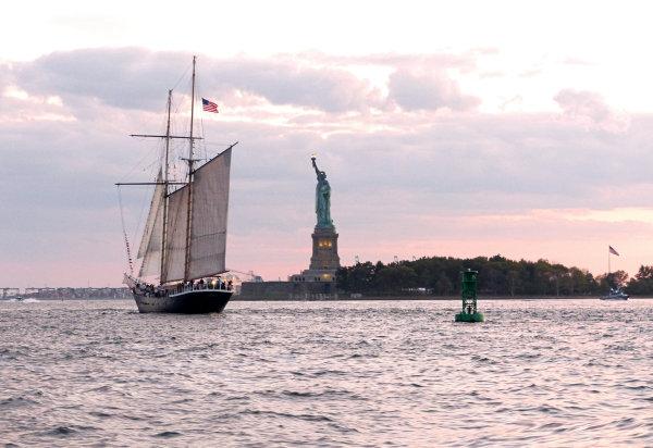 La Statue de la Liberté depuis l'Hudson River