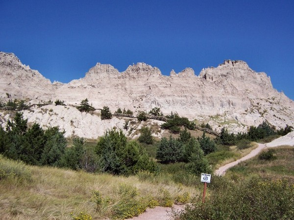 Cliff Shelf Nature Trail Badlands