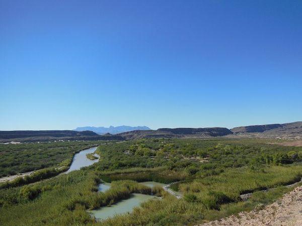 Les méandres verdoyants du Río Grande