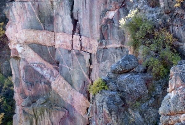Devil's Lookout, détail sur la falaise