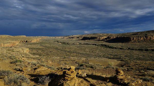 Vue depuis le Pueblo Alto Complex Trail en fin de journée Chaco Culture NHP