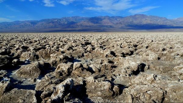 Devil's Golf Course Death Valley