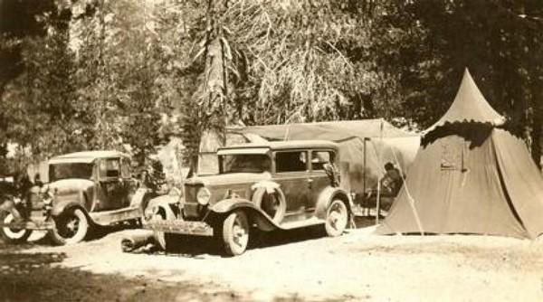Campement à Devils Postpile en 1935