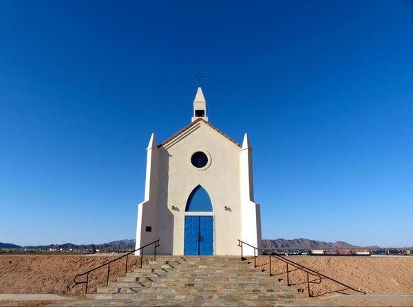 The Church on the Hill Felicity Californie