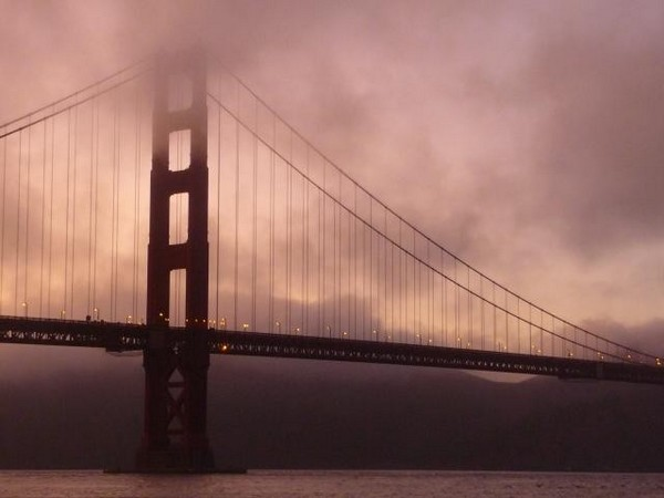 Brume estivale sur le Golden Gate Bridge