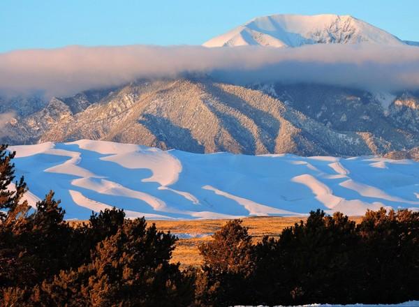 Great Sand Dunes sous la neige