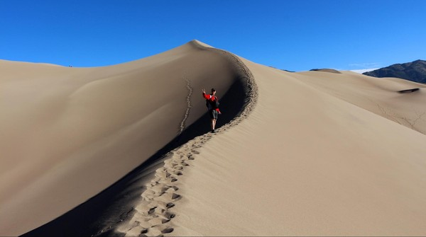 Randonneur sur le fil Great Sand Dunes Colorado