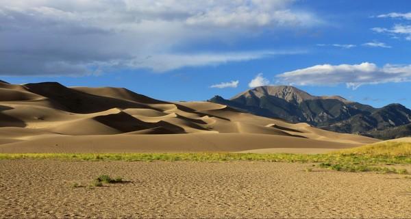 Les Sangre de Cristo Mountains Great Sand Dunes Colorado