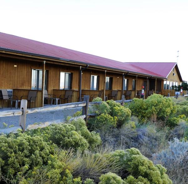 Patios des chambres du Great Sand Dunes Lodge