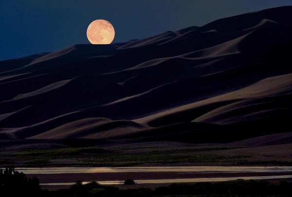 Pleine lune Great Sand Dunes Colorado