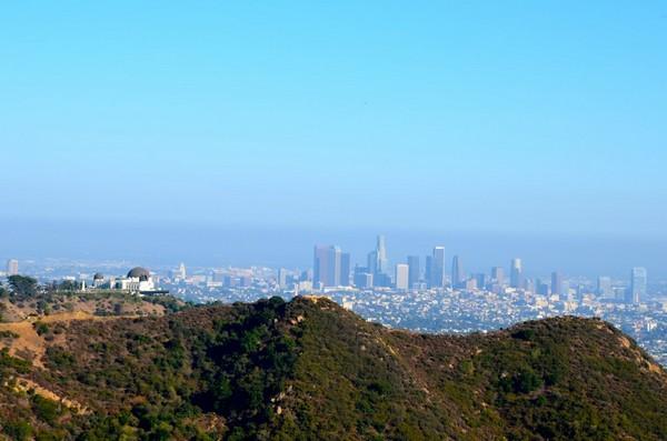 Vue sur Griffith Observatory et Downtown Los Angeles