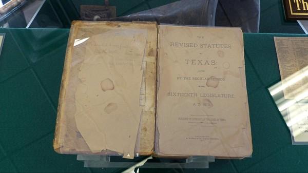 Le livre de lois du Juge Roy Bean Visitor Center Judge Roy Bean Museum Langtry Texas