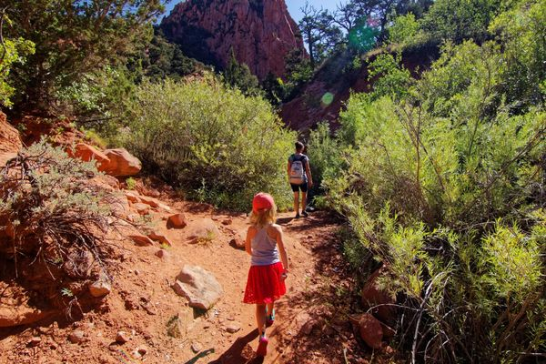 Le chemin devient un sentier Kanarra Creek Utah