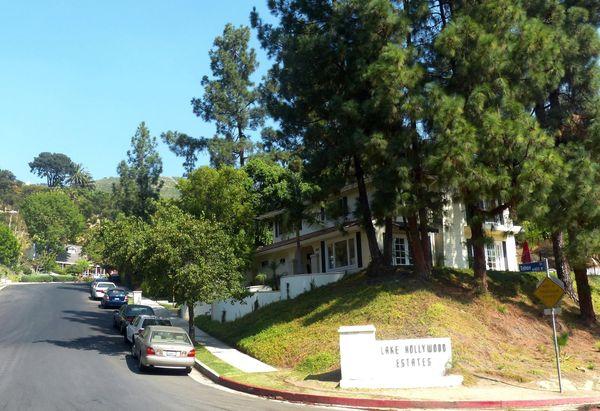 Tahoe Drive vers Lake Hollywood
