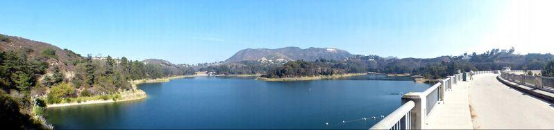 Vue depuis le Mulholland Dam Lake Hollywood