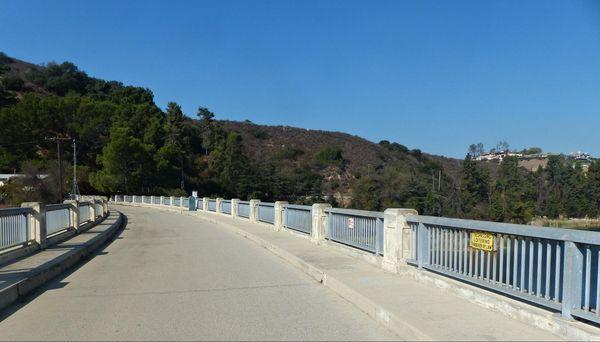 Sur le barrage Lake Hollywood