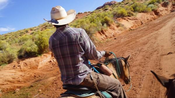 Randonner à cheval Monument Valley
