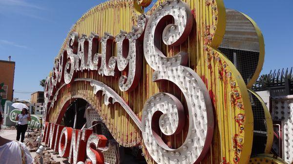 Enseigne du Sassy's Las Vegas