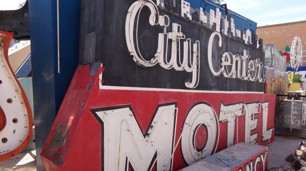 Enseigne de motel Neon Museum