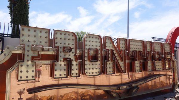 Enseigne du Frontier Neon Museum Las Vegas