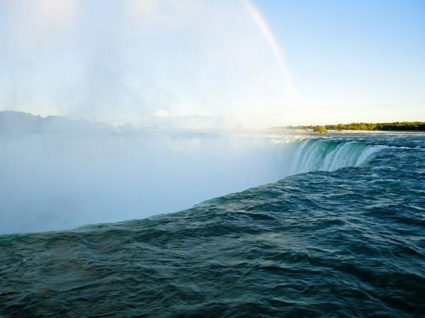 Element of the Falls Chutes du Niagara