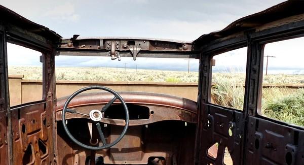 Épave voiture américaine Route 66 Petrified Forest Painted Desert Arizona