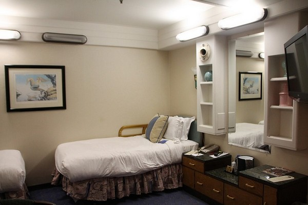 Standard Twin Room Queen Mary