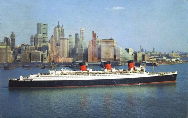 Le Queen Mary à New York au début des années 60