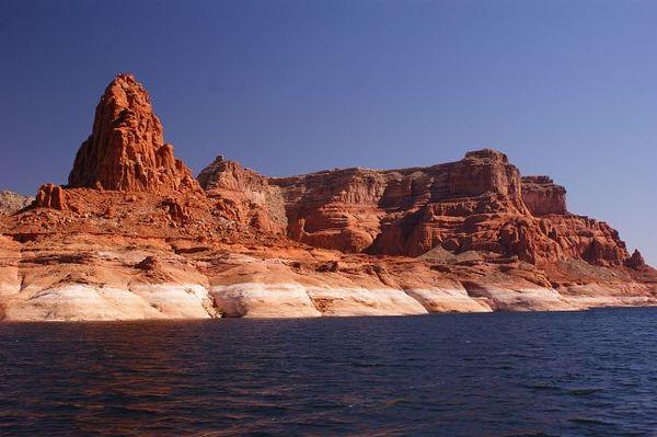 Red rocks Lake Powell