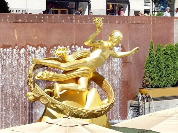 Prométhée apportant le feu à l'humanité Rockefeller Center New York