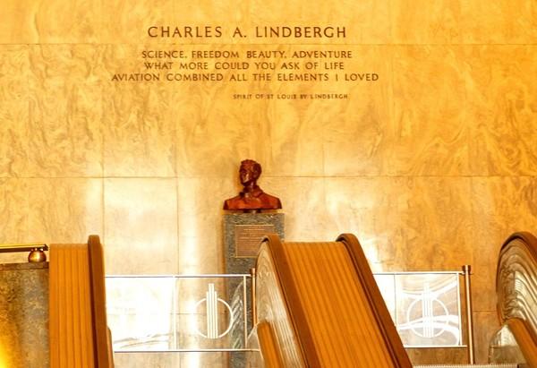 Buste Lindbergh Rockefeller Center New York