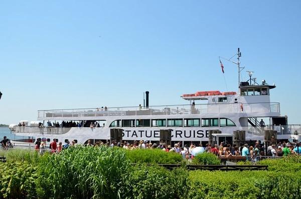 Embarquement sur le Ferry pour la visite de la Statue de la Liberté