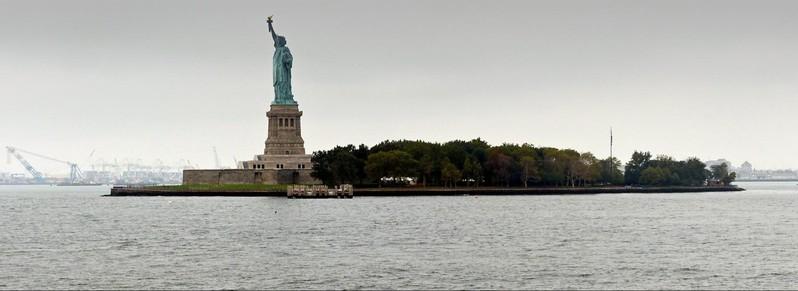 Liberty Island vue depuis le Ferry