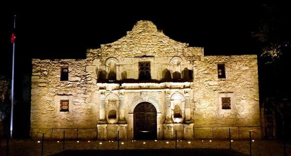 The Alamo de nuit San Antonio Texas