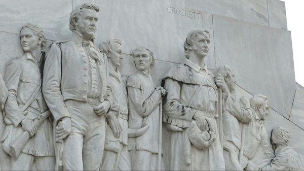 Face Travis et Crockett Alamo Cenotaph San Antonio