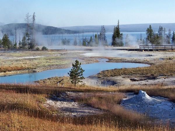 West Thumb Geysey Basin et le Yellowstone Lake