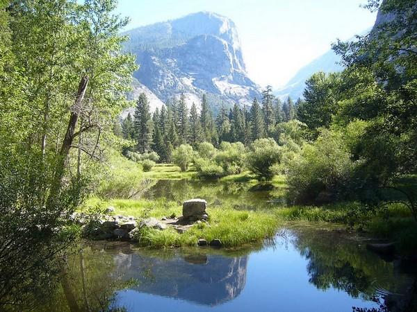Reflets dans le Mirror Lake Yosemite