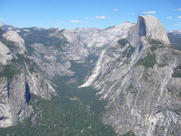Vue de Glacier point sur Half Dome et la vallée de Yosemite