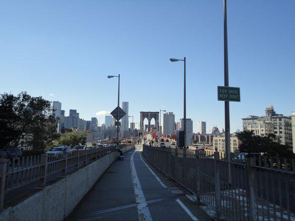 Le Brooklyn Bridge depuis Brooklyn New York