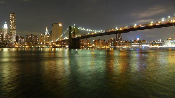 Brooklyn bridge de nuit New York