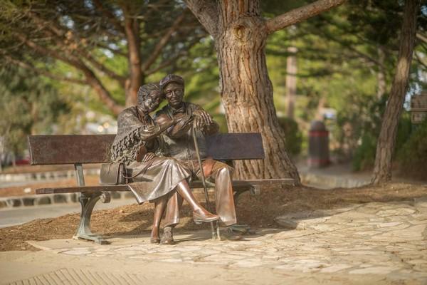 Statue de bronze en centre-ville Carmel