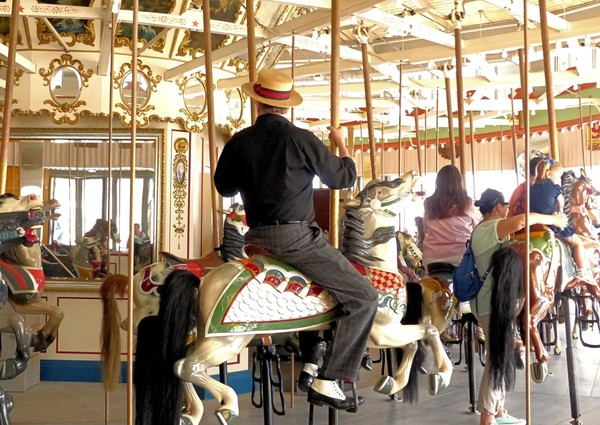 Carrousel historique Riegelmann Boardwalk Coney Island Brooklyn New York USA