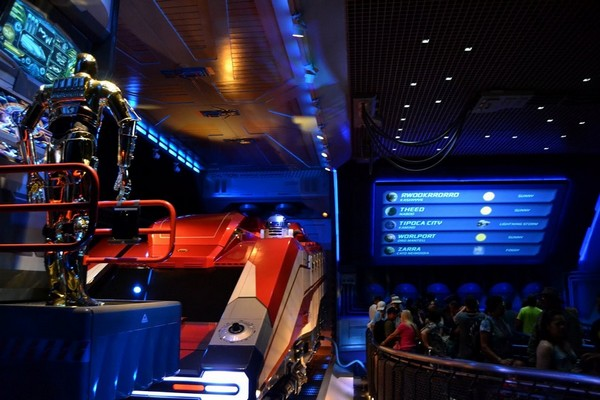 Star Tours : The Adventures Continue
