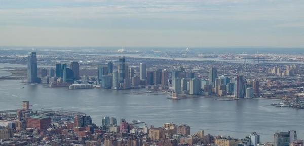Vue sur l'Hudson River et le New Jersey depuis la terrasse de l'Empire State Building