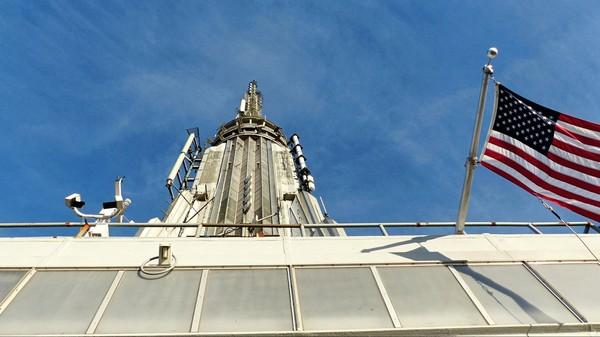 Vue sur l'antenne de l'Empire State Building depuis la terrasse d'observation