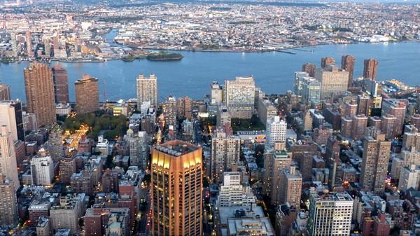 Manhattan depuis l'Empire State Building au crépuscule